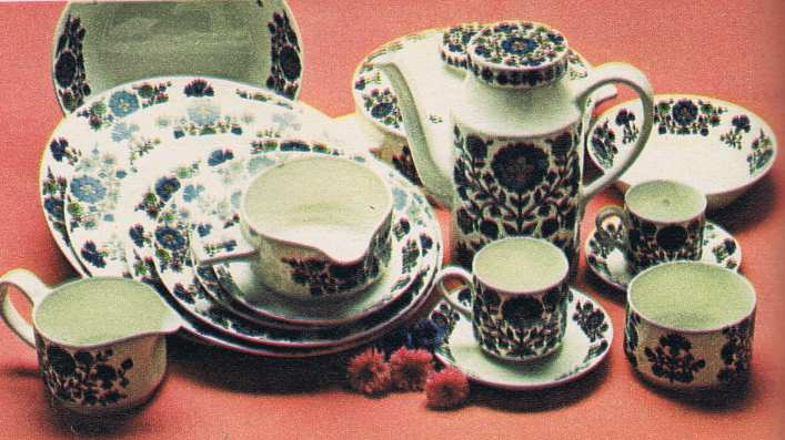 70s Crockery Set
